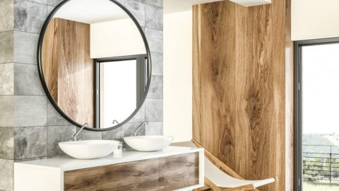 7 Questions to Ask When Choosing Bathroom Mirrors