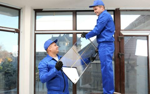 5 Best Avenues for Finding a Glass Company Near Me