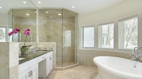 Advantages of Using Starphire Glass Instead of Traditional Clear Glass on Your Shower Enclosure