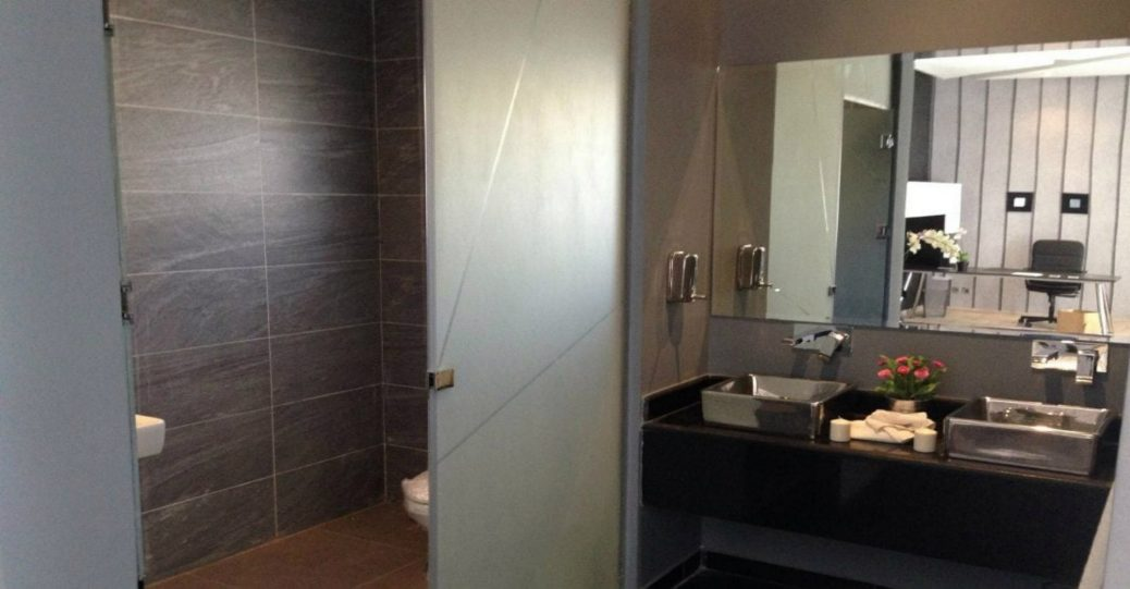 Creative Ways Etched Glass Can Add Style To A Custom Glass Enclosure