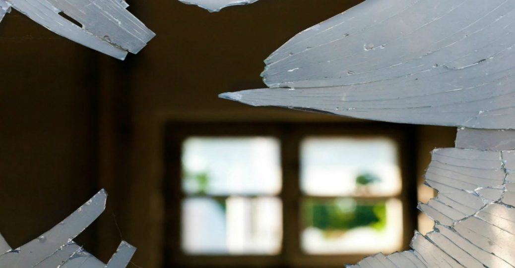 What Causes Double Paned Windows to Break