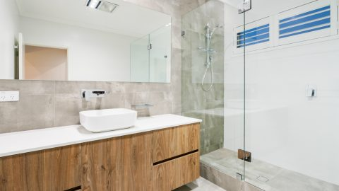Glass Shower Door Replacement Tips: Choosing the Perfect Door