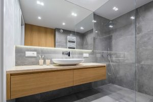 Can You Mount a Frameless Shower Door Over a Bathtub1