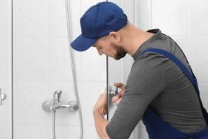 4 Ways to Restore a Discolored Glass Shower Door