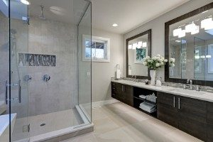 3 Glass Shower Door Ideas for Maximum Privacy