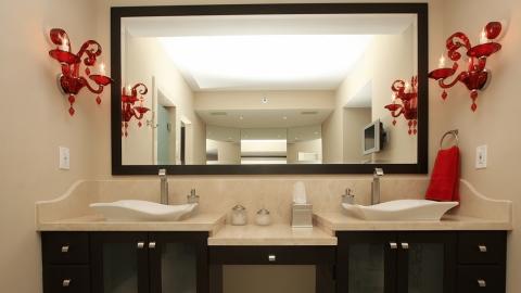 7 Classy Bathroom Mirror Ideas
