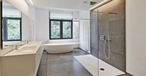 4 Easy Ways to Keep Your Frameless Shower Enclosure Clean and Spotless