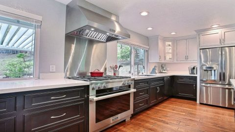 How To Design A Kitchen That Is Easy To Clean Using Glass