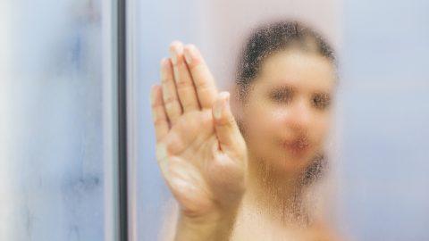 3 Glass Shower Door Ideas for Maximum Privacy