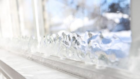 Should You Opt for Residential Glass Replacement Before The Holidays?