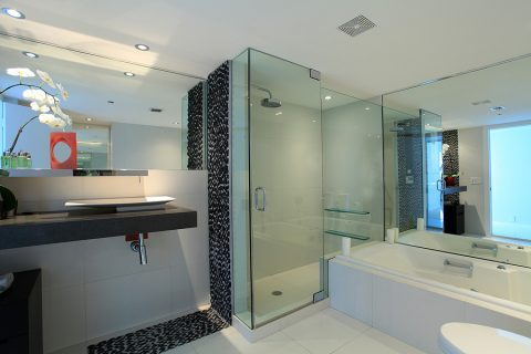 How to Choose Glass Shower Doors